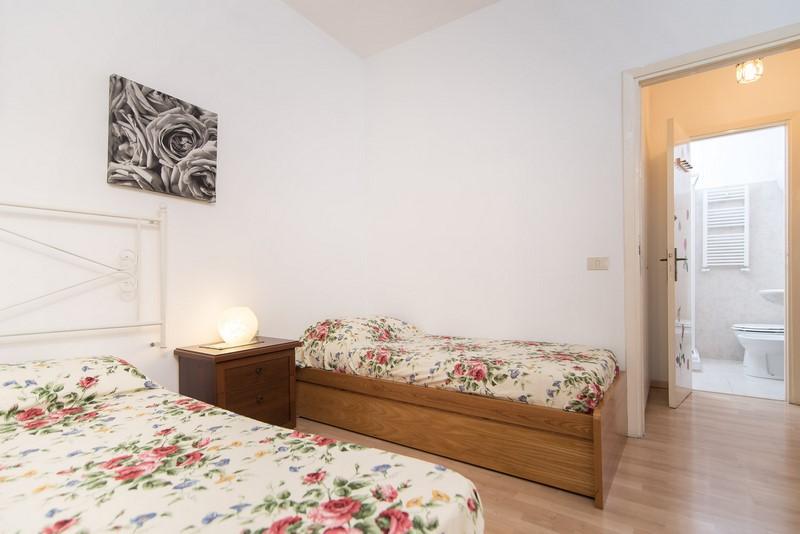 Bagno Esterno Privato : Bed and breakfast le rose u camera tripla con bagno privato